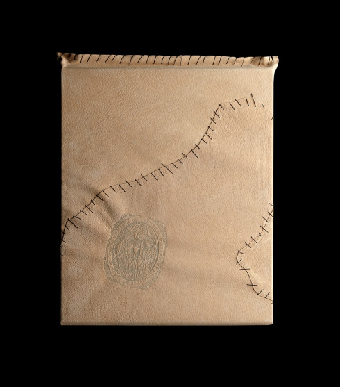 Stranger_HolidayBook_Leathercover_F