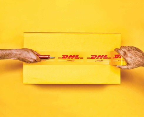 dhl_hands_cutter
